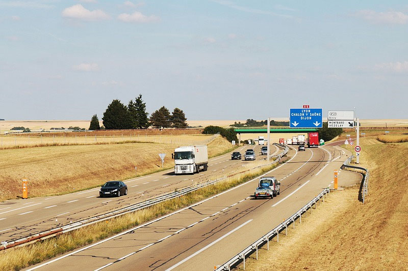 dual carriageway in france
