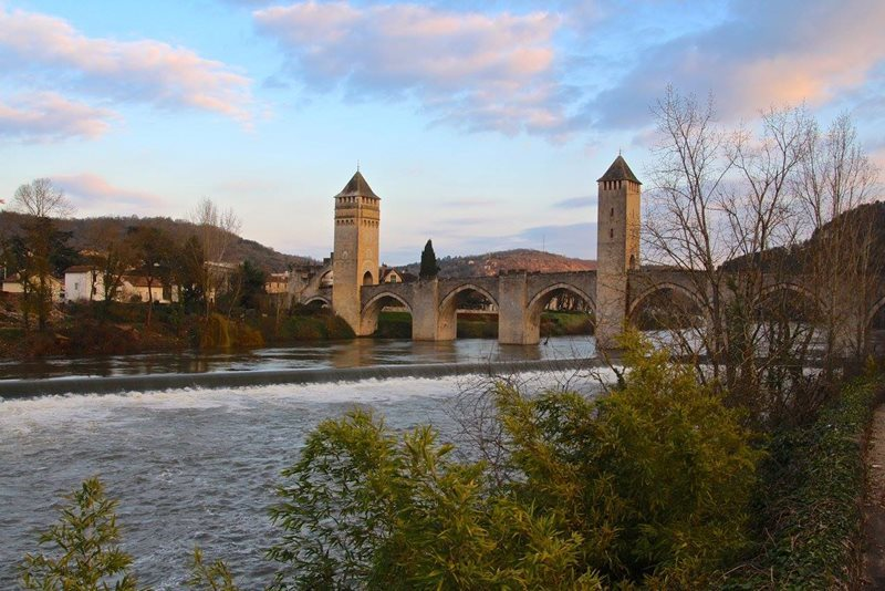 valentre bridge in cahors