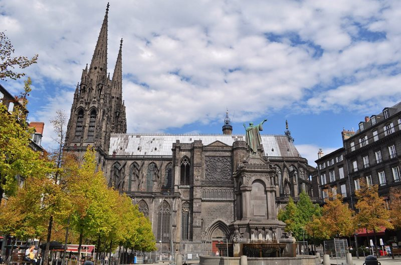 clermont ferrand catherdral
