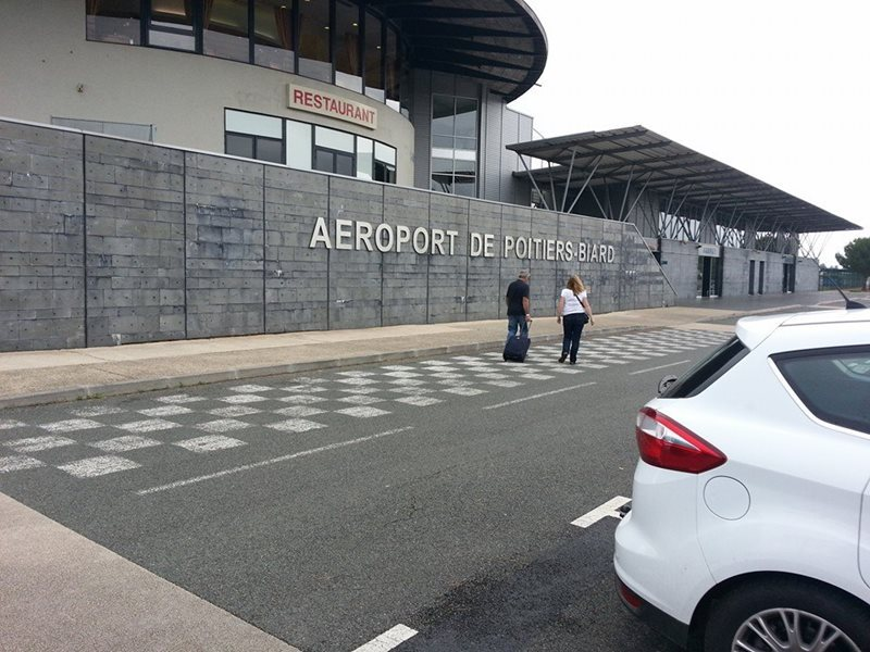 poitiers airport