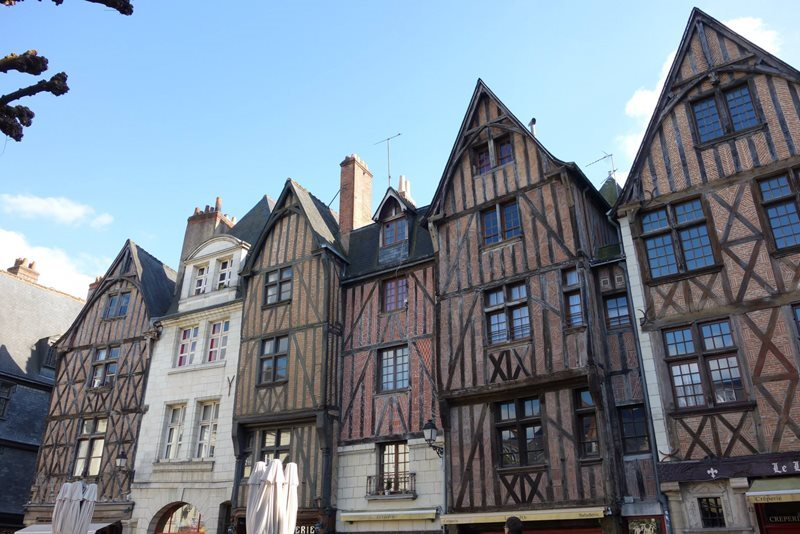 place plumereau tours