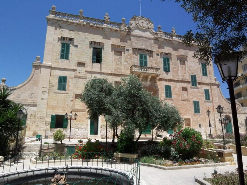 spinola palace in st julians malta