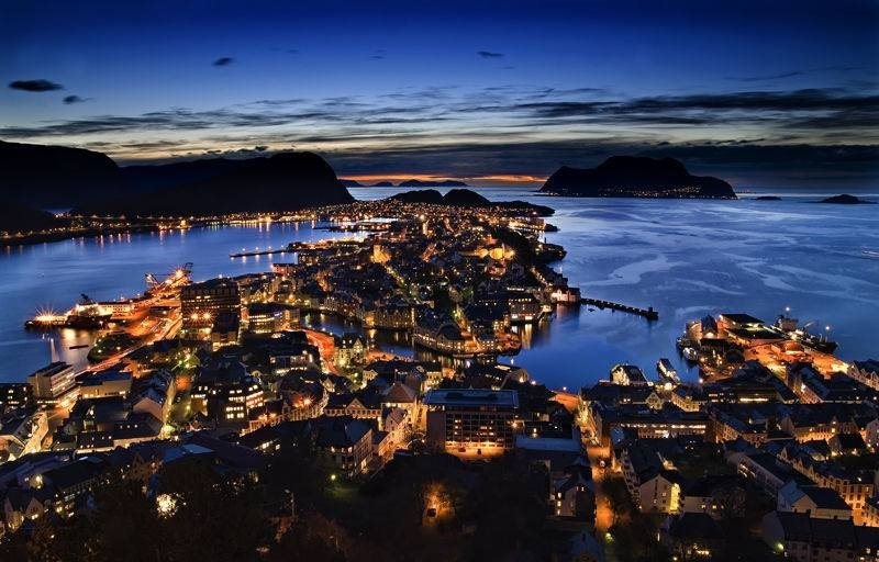 Aalesund town at night