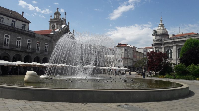 Braga Praca da Republica fountains