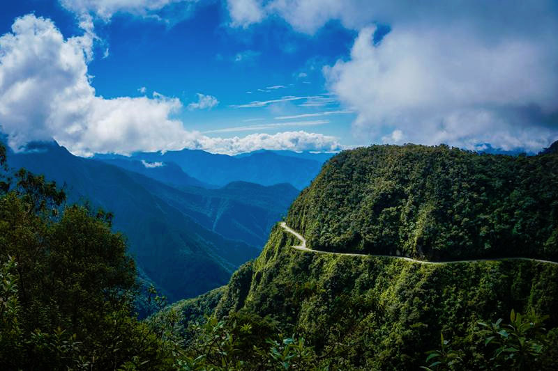 death road bolivia la paz