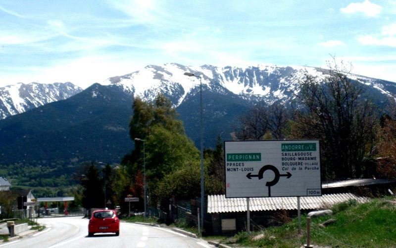 Road-Sign-to-Andorra
