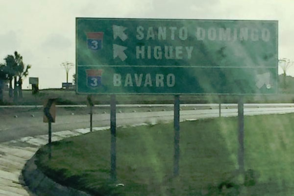 Dominican-Republic-Motorway-Sign