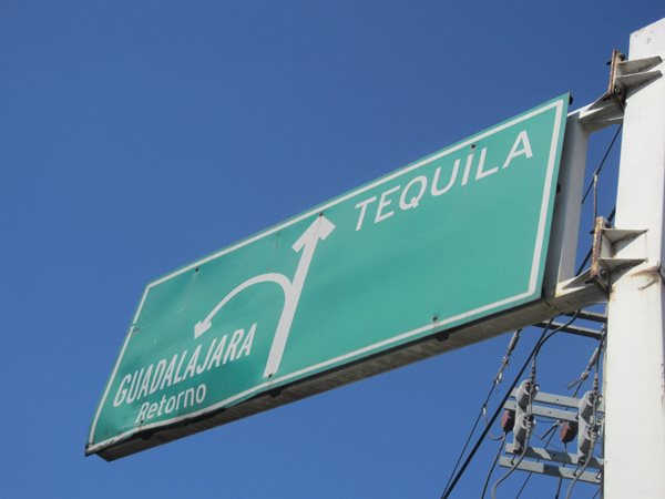 Mexico-city-road-sign