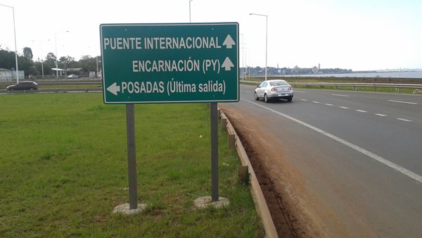 Paraguay-Road-Sign