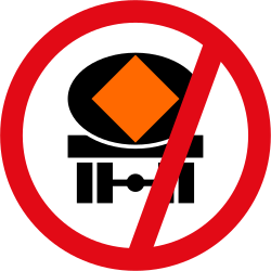 Vehicles with polluted fluids prohibited - Road Sign