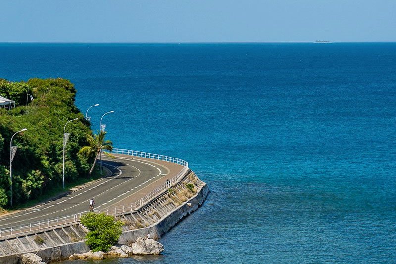driving in New Caledonia