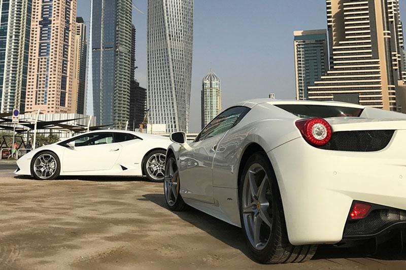 Ferrari Rental Dubai Rent A Ferrari Spyder In Dubai Rhinocarhire Com