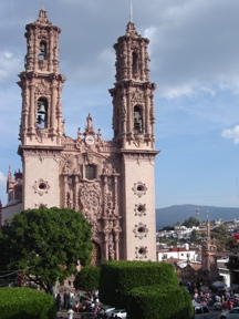 Picture of Taxco Cathedral in Mexico